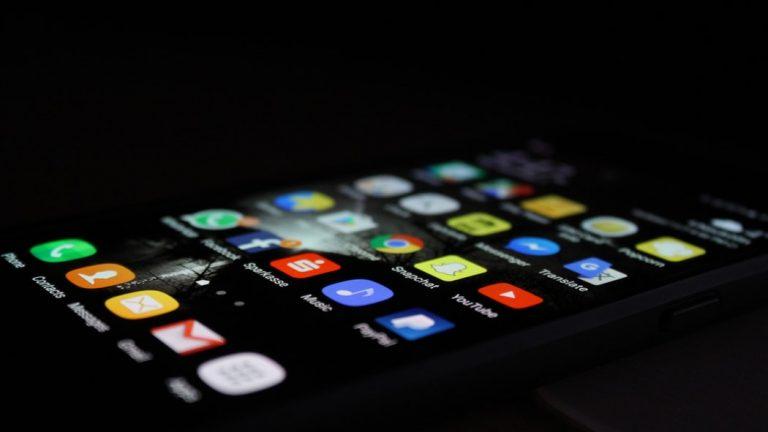 Folia ochronna – idealne zabezpieczenie Twojego telefonu