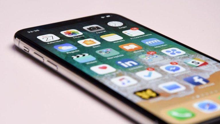 Ochrona smartfonów dzięki hartowanym szkłom