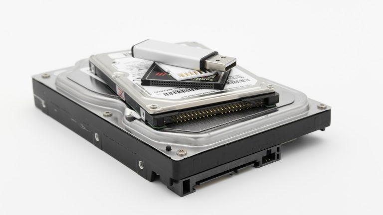 Dlaczego warto nosić przenośne dyski SSD?