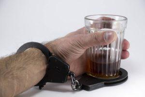 Dlaczego alkoholizm jest chorobą społeczną